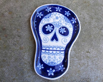 Skull Plate - ceramic handmade, spoon rest, kitchen decor, halloween, dia de los muertos shrine
