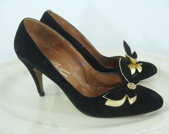 SALE Vintage Sixties Heels - 1960s Rosina Ferragamo Schiavone Pumps - 60s Black Swede Shoes - Black and Gold Butterfly Pumps - Size 9