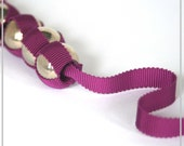 Ribbon necklace in purple with ABS beads