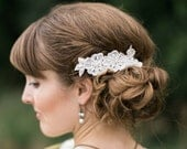 Lace and pearl bridal hair comb wedding side hair comb bridal pearl hair comb ivory lace hair comb wedding hair comb bride hair comb vintage