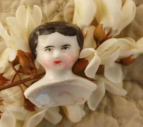 China Doll Head Painted Tiny Glazed - 51.9KB
