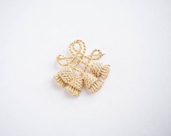 Vintage Gold Tone Tassel Pin  Brooch Gift for Her Simple Classic Work Professional Jewelry
