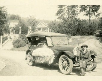 "Vintage Photo ""The Great Oregon Adventure"" Car Snapshot Antique Photo Old Black & White Photograph Found Paper Ephemera Vernacular - 162"