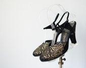 1940s vintage shoes / black suede and gold Fleur de Lis high heels / size 6