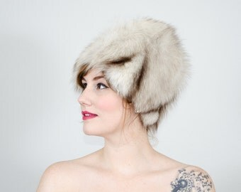 1960s vintage hat / blue fox fur hat / fur cloche