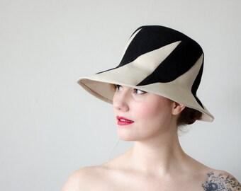 1960s vintage hat / MOD wool cloche / Anita Pineault