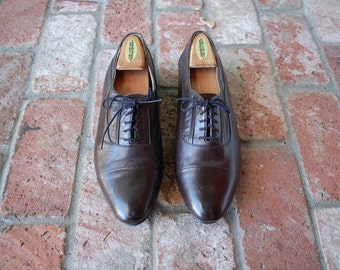 VTG Mens 10.5 Stacy Adams Brown Leather Laced Oxfords Dress Shoes Cap Toe Oxfords Bogues Prep Hipster Sleek Wedding Shoes Moto Gift For Him