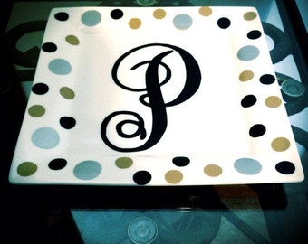 Single initial personalized plate