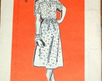 Tulip Sleeve Tea Dress, Ruffle Trim, Tie Belt Womens Misses Vintage 1970s Mail Order Sewing Pattern 9458 Bust 38 W31 H40 Uncut Factory Fold