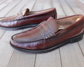 vintage 1970's -Florsheim- Beef roll Penny Loafers. Like 'NeW'. Antiqued Oxblood - All leather.  Made in USA. approx. Men's Size 8 1/2 D