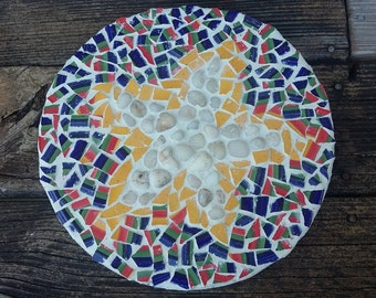 Handmade Mosaic Garden Art Handmade Stepping Stone With Natural River Rock  Spiral Recycled Plate Spiral