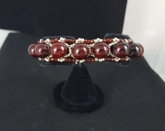 10mm Burgandy and silver seed bead Bracelet