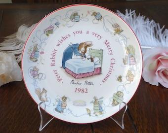 Wedgwood Peter Rabbit 1982 Christmas Plate, Beatrix Potter Peter Rabbit 1982 Christmas