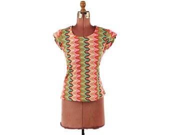 Vintage 1970's Funky Mod Rainbow Pink Zig Zag Abstract Geometric Hippie T Shirt Blouse S M