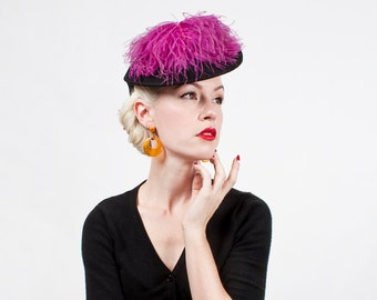 Vintage 1940s Ostrich Feather Wool Felt Tilt Hat