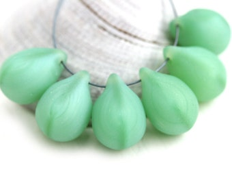 10x14mm Matte Jade Green Teardrops, Large czech glass drops, Briolettes, green raindrop - 6Pc - 1986