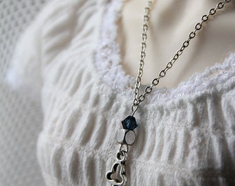 Avelin - SD key necklace in silver tones