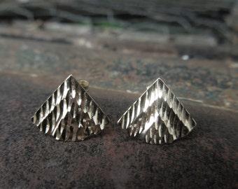 14kt Gold Earrings  Fan Shaped Etched Engraved
