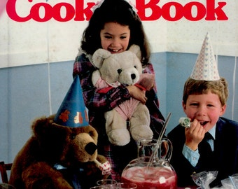 Better Homes and Gardens Kids' Party Cook Book (a vintage book)