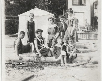 Old Photo Family Group wearing Swimsuits at the Beach 1910s Photograph vintage Women Girls Boys