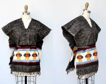 Wool Poncho Vintage Peruvian Poncho Fringed Poncho Cape Warm Wool Navajo Ethnic Tribal Southwestern Guatemalan size S M