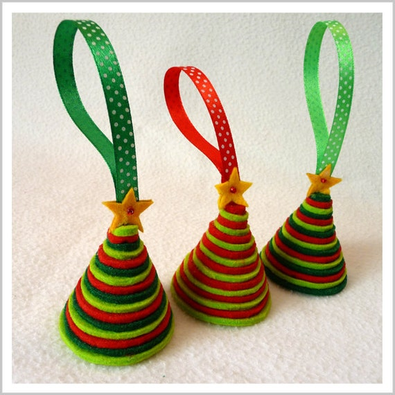 Items similar to one felt christmas tree on etsy - How to make felt christmas decorations ...