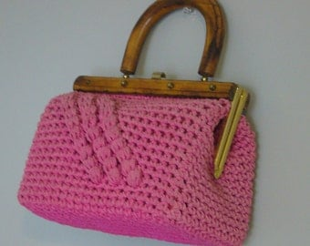 Vintage PINK WOVEN TOPHANDLE Bag/Purse/Handbag/Wood Handle/Crochet Bag