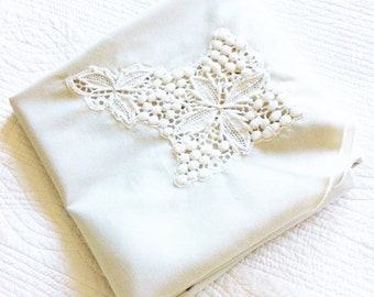 Vintage Cottage Home Cafe au Lait Berry and Leaf Lace Inlay Table Linen, Olives and Doves
