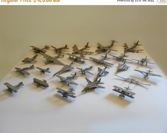 Worlds Greatest Aircraft 1987 Franklin Mint - Complete set of 25 Airplanes including display case