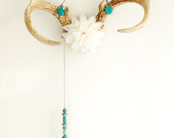 Deer Antlers with Dahlia Flower & Beaded Feather Chain - White Turquoise Wall Hanging Taxidermy 7 Point Rack Boho Home Decor Decoration