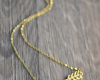 Gold Arrow Necklace // Cupid's Arrow Necklace // Small Arrow Necklace // Gift for Her // Bridesmaid Gift // Best Friend Gift