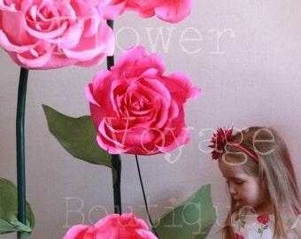 Giant free standing paper flower. Alice in Wonderland photo props. Huge self-standing flower backdrop. Shop window decor. Garden party props
