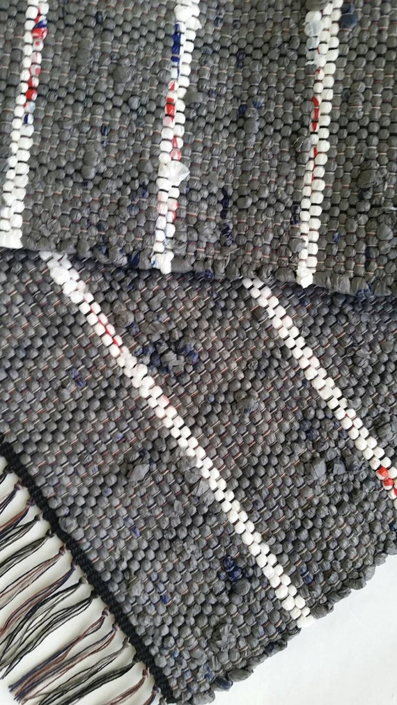 gray and white rug camping rug loom woven rag rug indoor. Black Bedroom Furniture Sets. Home Design Ideas