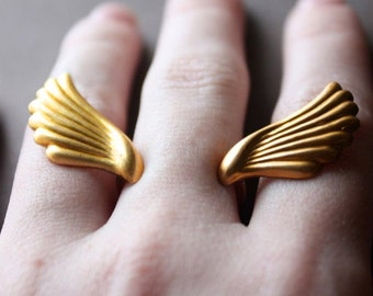 Wings ring, angel wings dainty ring, minimalist open bird wings ring