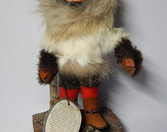 """Vintage Alaskan Eskimo Yu'pikArt DOLL w carved wood HEAD Traditional fur Clothing, 7"""" high, TAG: Felicia Tetpon, Anchor Point"""