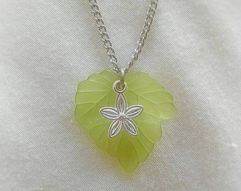 Flower Leaf Necklace -- Silver tone, 18 inch chain