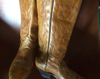 Fab Women's Vintage Acme Cowboy Boots, Size 7, Great Condition!