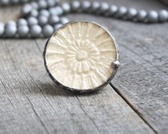 cream CERAMIC ring, HUGE ring, BOHO jewelry, lace ceramic ring, spring summer ring, coctail ring, handmade, artisan, pastel metalwork ring