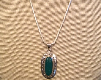 """Green Onyx Gemstone Pendant Necklace in Sterling Silver Setting 18"""""""