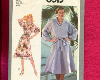 1970's Simplicity 8513Pirate Dolman Sleeve Dress & Top with Flared Skirt Size Small 10/12
