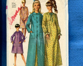 1960's Simplicity 7363 Retro Raglan Sleeve Robe or House Coat & Nightgown Size Small 10/12