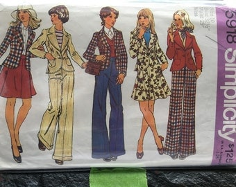 Vintage 1970s Junior/Teens' and Misses' Unlined Fitted Jacket, Short Skirt and Pants Pattern // Simplicity 5918, Size 10, set, wardrobe