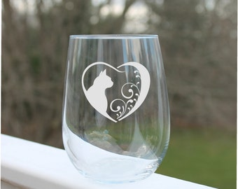 cat wine glass, Etched Stemless Wine Glass, etched wine glass, Cats in heart-  Wine Glass 17oz., Wine Glasses, stemless wine glass etched