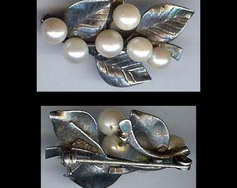 MING'S HAWAII pretty vintage sterling silver PEARL leaves pin brooch