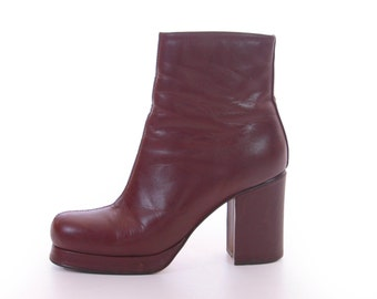 Brown Leather Platform Ankle Boots 90s Vintage Footwear Minimalist Boho Chic Womens Size US 8.5 UK 6.5 EUR 39