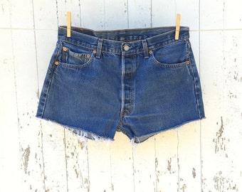 Vintage LEVIS 501 Shorts 32 Waist