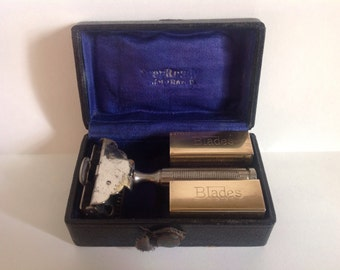 1912 Patent Ever Ready Shovel Head SE Safety Razor & Case.
