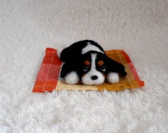 READY TO SHIP/ Needle Felted / Cavalier King Charles Spaniel / mini tricolor 03