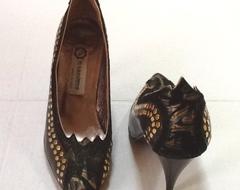 Vintage Hand Painted Pumps / El Vaquero of Italy / Leather / SZ 7.5 to 8 / Wearable Art / Abstract / High Fashion / Retro /Boho / Hipster
