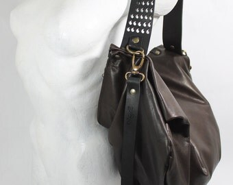 Aislim Dark Brown is a roomy and soft leather bag, shoulder bag, handmade in Italy, dark brown, black, grey, taupe, mauve